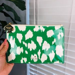 🔥FREE ITEM!🔥NEW KATE SPADE PENCIL POUCH/MAKEUP